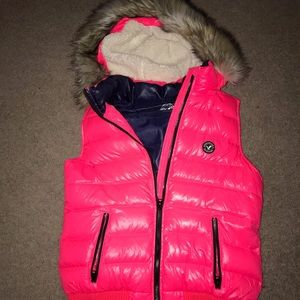 American Eagle Vest, women's Large in hot pink